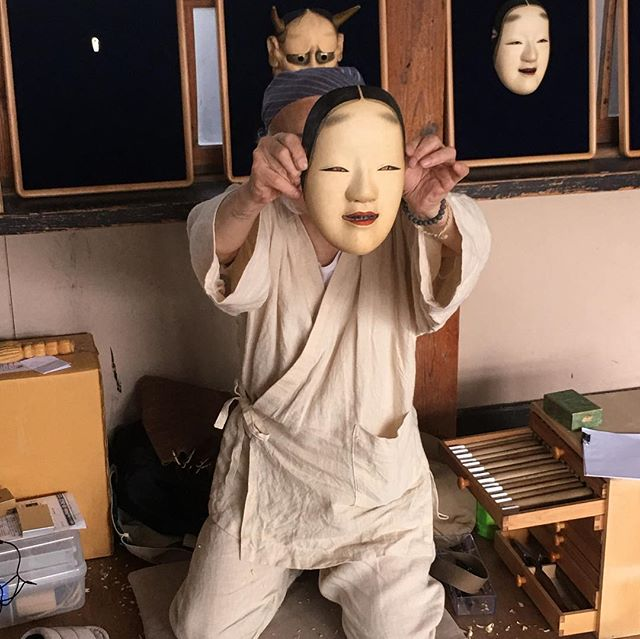 日本麻フェスティバルin鹿沼にて面(おもて)のお話を聞いてまいりました面の部分部分に麻が使われておりますこの面は、使われてませんが、面表情についてのお話が面白かった - from Instagram