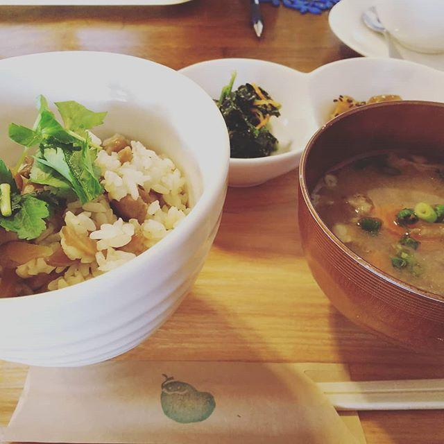 今日は打ち合わせをしたくて真岡までお邪魔してきました。多分、各出店者さんの飲食ブースにリユースの案内の紙をはってもらいます。 #アースデイ日光#だいや川公園#くじら食堂でランチ - from Instagram